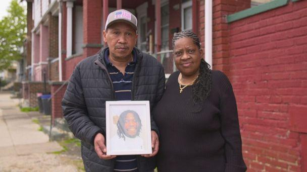"""PHOTO: """"Justice need[s] to be served and the cops need to be locked up for what they did to him,"""" Wallace's mother Kathy Bryant said. (ABC)"""