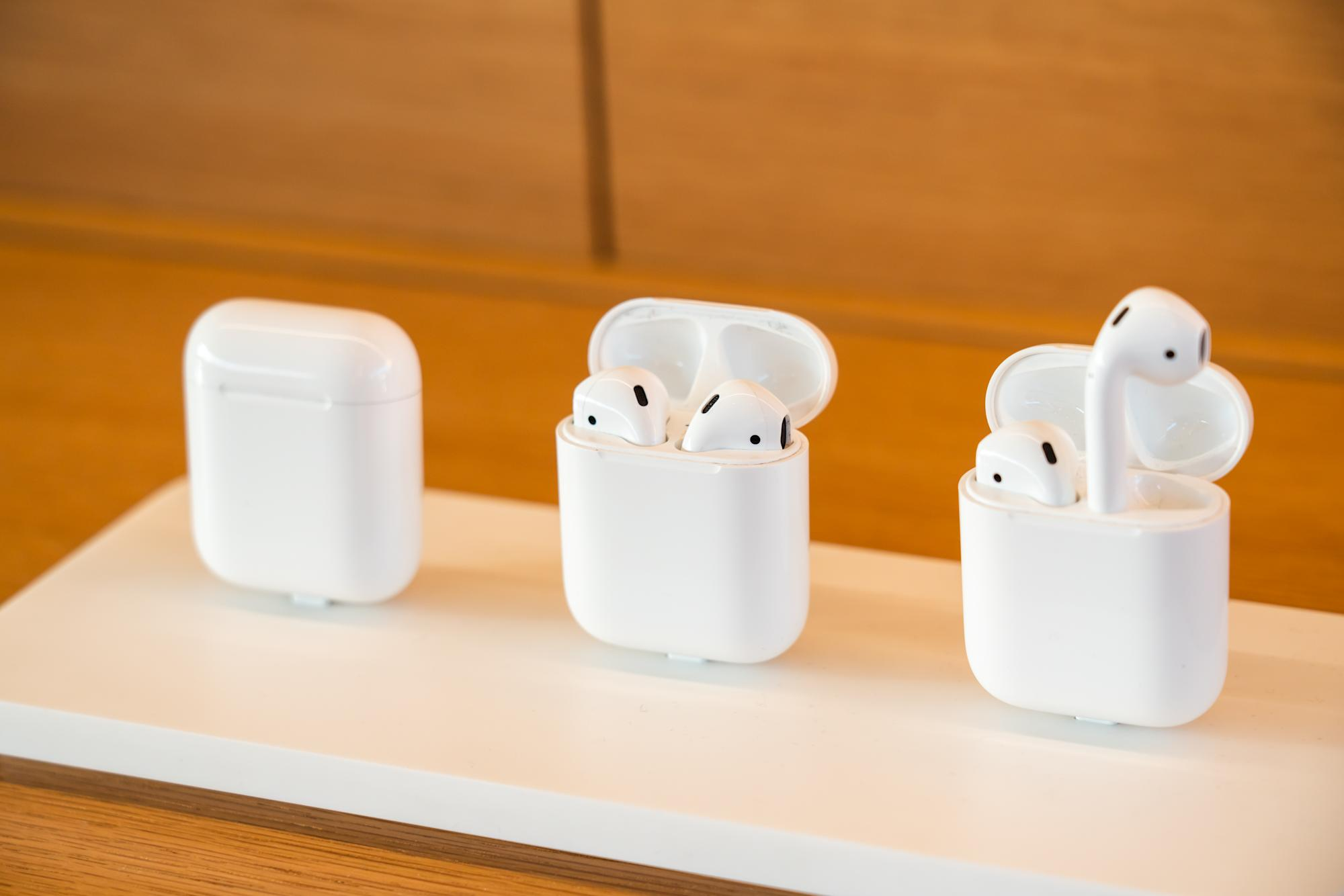 What to do if your Apple AirPods won't charge anymore: Tech Support