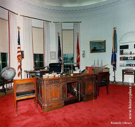 John F. Kennedy's newly redecorated Oval Office. (Photo: The Kennedy Library via whitehousemuseum.org)