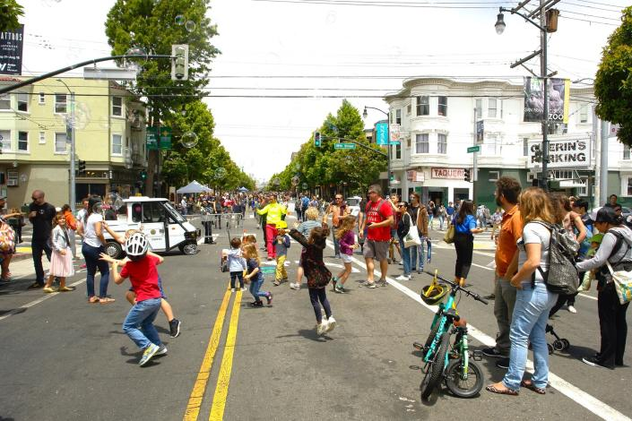 """<p>Photo: Young Chau/<a href=""""https://www.facebook.com/sundaystreets/photos/a.10157347779706894/10157347840276894/?type=3&theater"""" rel=""""nofollow noopener"""" target=""""_blank"""" data-ylk=""""slk:Sunday Streets"""" class=""""link rapid-noclick-resp"""">Sunday Streets</a></p>"""