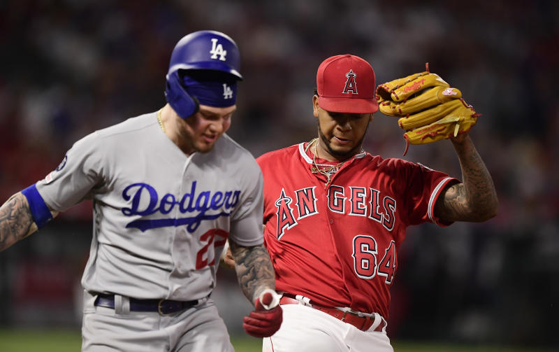 timeless design 330e0 dd02b Ohtani, Bour lead Angels to 5-3 win, series sweep of Dodgers
