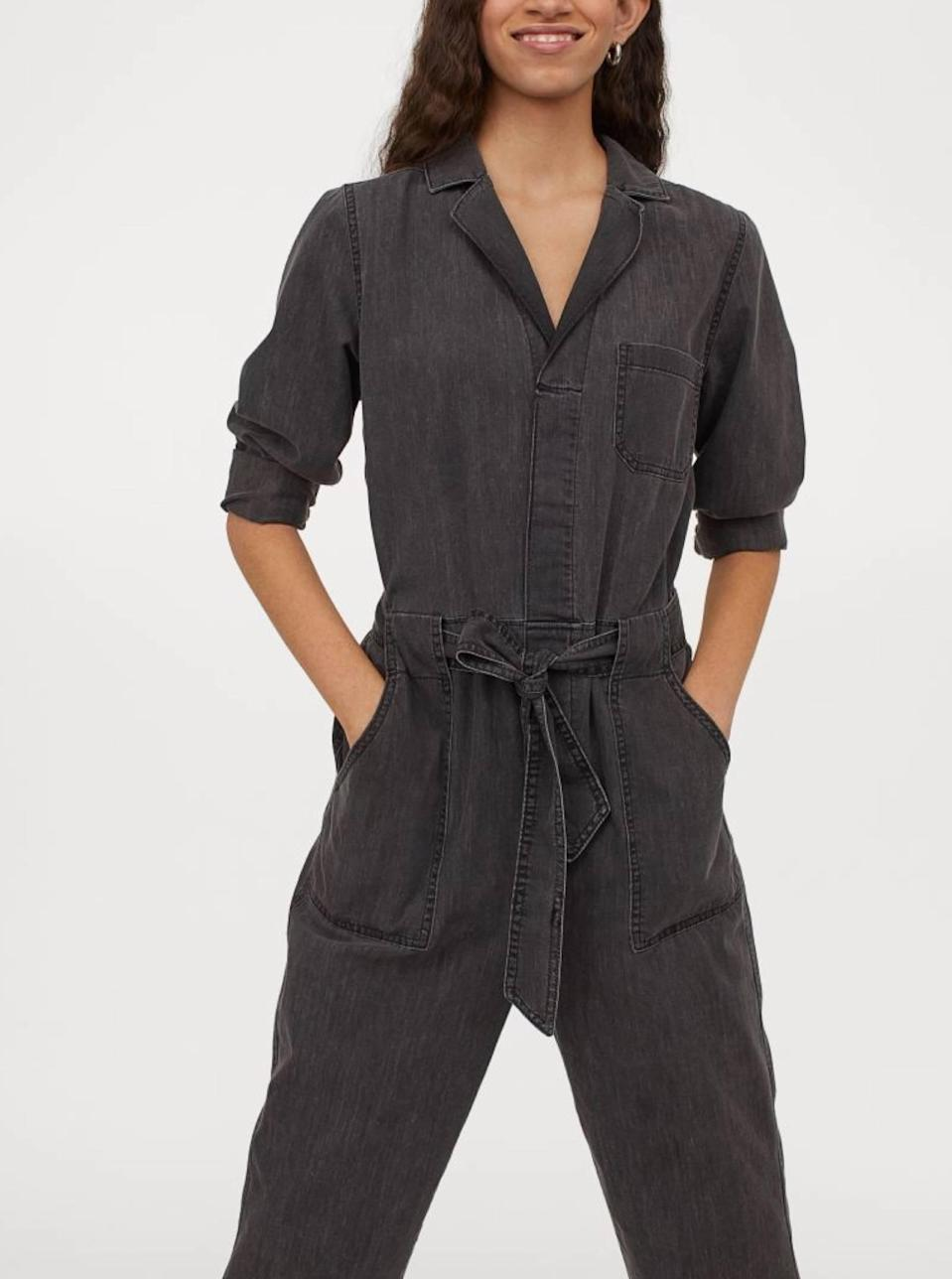 "If you're not ready to fully invest in the trend, snap up a less-than-$40 option from H&M. Dress up this relaxed, everyday jumpsuit with some <a href=""https://www.glamour.com/gallery/mismatched-earring-trend?mbid=synd_yahoo_rss"" rel=""nofollow noopener"" target=""_blank"" data-ylk=""slk:mismatched jewelry"" class=""link rapid-noclick-resp"">mismatched jewelry</a> for an outfit that's way more expensive than it looks. $39, H&M. <a href=""https://www2.hm.com/en_us/productpage.0925973001.html"" rel=""nofollow noopener"" target=""_blank"" data-ylk=""slk:Get it now!"" class=""link rapid-noclick-resp"">Get it now!</a>"