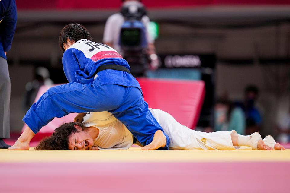 <p>TOKYO, JAPAN - JULY 28: Madina Taimazova of Russia and Chizuru Arai of Japan competing on Women -70 kg during the Tokyo 2020 Olympic Games at the Nippon Budokan on July 28, 2021 in Tokyo, Japan (Photo by Yannick Verhoeven/BSR Agency/Getty Images)</p>