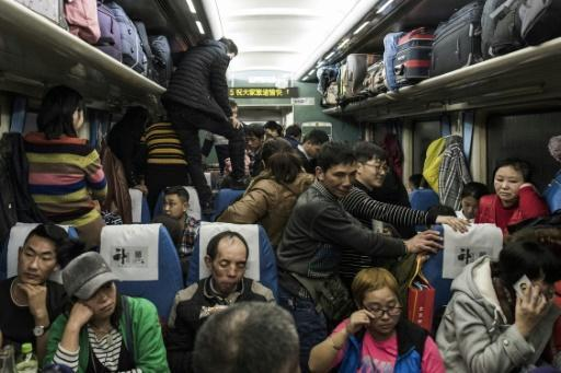 <p>Millions of Chinese leave for Lunar holidays, but many may not return</p>
