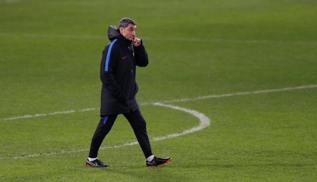 Soccer Football - Champions League - FC Barcelona Training - Stamford Bridge, London, Britain - February 19, 2018 Barcelona coach Ernesto Valverde during training Action Images via Reuters/Matthew Childs