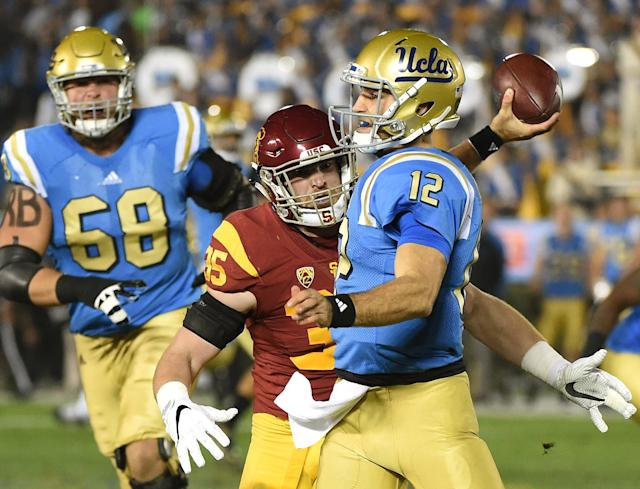 Cameron Smith is one of the top linebackers in the Pac-12. (Getty Images)