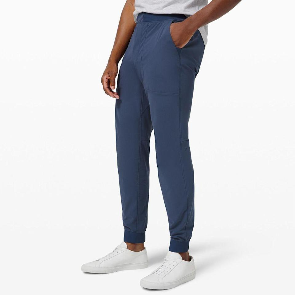 """<p><strong>Lululemon</strong></p><p>lululemon.com</p><p><strong>$128.00</strong></p><p><a href=""""https://go.redirectingat.com?id=74968X1596630&url=https%3A%2F%2Fshop.lululemon.com%2Fp%2Fmens-travel-essentials%2FAbc-Jogger%2F_%2Fprod8530240&sref=https%3A%2F%2Fwww.menshealth.com%2Ftechnology-gear%2Fg34497236%2Fbest-gifts-for-brother%2F"""" rel=""""nofollow noopener"""" target=""""_blank"""" data-ylk=""""slk:BUY IT HERE"""" class=""""link rapid-noclick-resp"""">BUY IT HERE</a></p><p>If he doesn't own a pair of Lululemon joggers, he needs one. We're not exaggerating when we talk about their comfort, fit, and innovative moisture-wicking materials. He might be intimidated to make this purchase on his own, so jump on it for him, and forever elevate his go-to, not so cute, <em>grow-fit.</em></p>"""