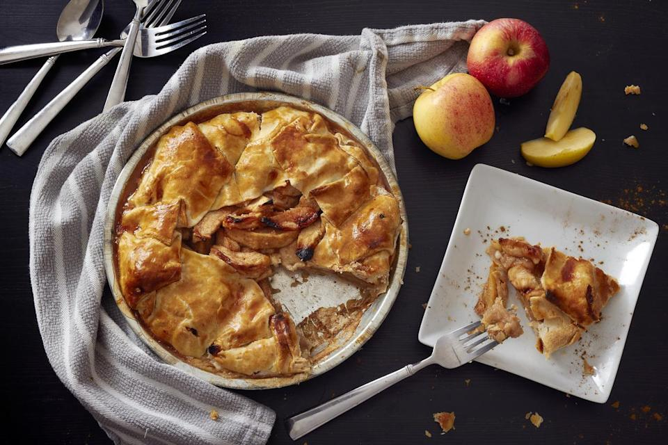 "<p>For Americans going apple picking or baking apple dishes in the fall, one of the most coveted and <a href=""https://www.thedailymeal.com/eat/apple-varieties-uses?referrer=yahoo&category=beauty_food&include_utm=1&utm_medium=referral&utm_source=yahoo&utm_campaign=feed"" rel=""nofollow noopener"" target=""_blank"" data-ylk=""slk:popular apple varieties"" class=""link rapid-noclick-resp"">popular apple varieties</a> is the Honeycrisp. Engineered at the University of Minnesota, Honeycrisp apples were first planted in 1962 and were adopted as the official state fruit of Minnesota in 2006. Their lovely balance of sweet and tart flavors work perfectly in apple pie.</p>"