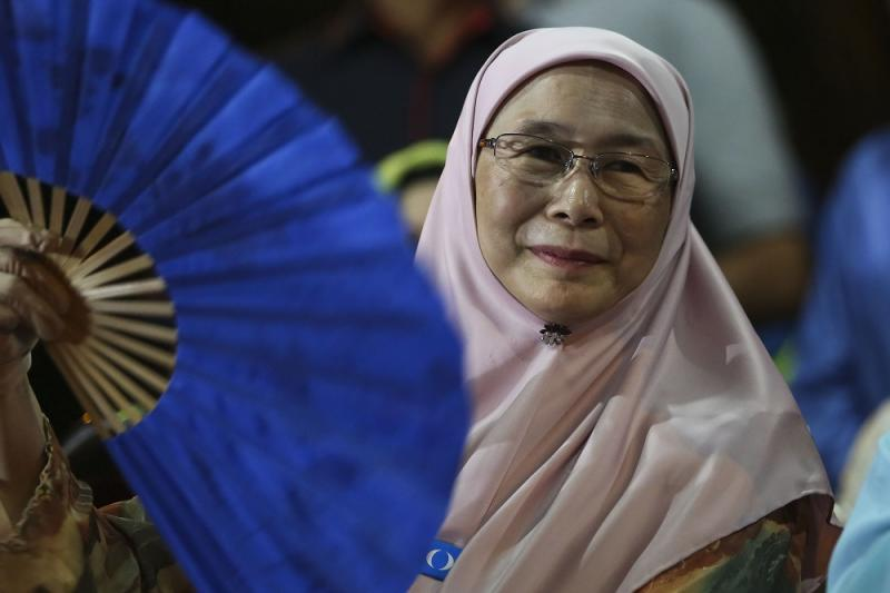Wan Azizah is first woman ever in the country to hold the deputy prime minister post. — Picture by Yusof Mat Isa