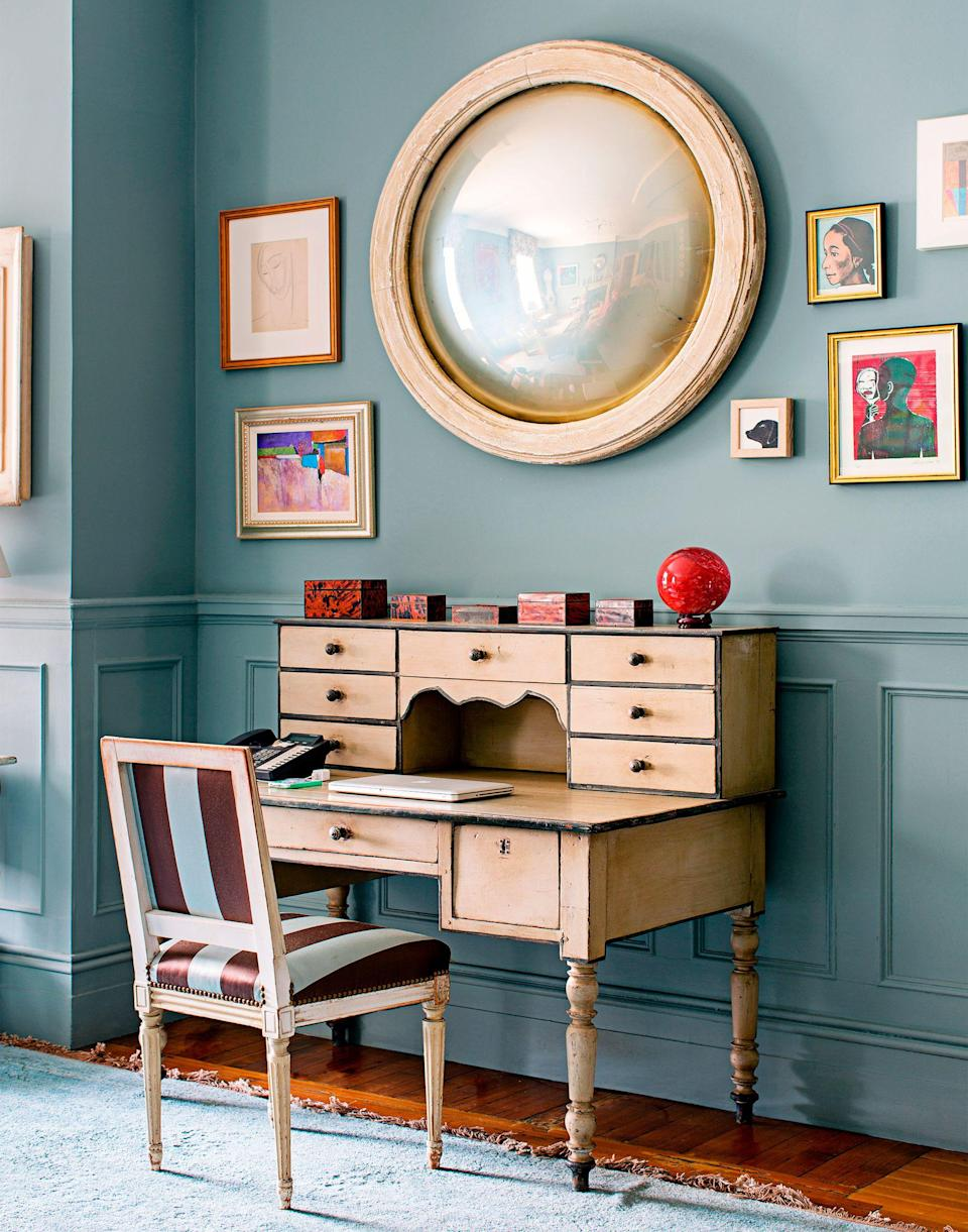 """<p>Whether you love <a href=""""https://www.housebeautiful.com/design-inspiration/a31668687/how-to-work-from-home-office-decor/"""" rel=""""nofollow noopener"""" target=""""_blank"""" data-ylk=""""slk:working from home"""" class=""""link rapid-noclick-resp"""">working from home</a> or can't stand it, there's no denying that a comfortable, productivity-boosting space makes the whole experience much more positive. Or, at the very least, possible—no matter how small your home is. To inspire you to make your work-from-home space work harder for you, we're showcasing 25 crafty ways some of our favorite designers made the most of small home <a href=""""https://www.housebeautiful.com/room-decorating/home-library-office/g35715761/modern-home-offices/"""" rel=""""nofollow noopener"""" target=""""_blank"""" data-ylk=""""slk:offices"""" class=""""link rapid-noclick-resp"""">offices</a>. Whether you're using a makeshift workspace to check emails, lead virtual meetings, get creative and brainstorm, or just keep your personal calendar organized, you'll want to keep a few of these clever decorating tricks up your sleeve and replicate these small <a href=""""https://www.housebeautiful.com/lifestyle/organizing-tips/advice/g527/organizing-your-home-office/"""" rel=""""nofollow noopener"""" target=""""_blank"""" data-ylk=""""slk:home office ideas"""" class=""""link rapid-noclick-resp"""">home office ideas</a> in a corner, a closet—or wherever. Discover happy, stylish, and spacious-feeling places to work and study ahead. </p>"""