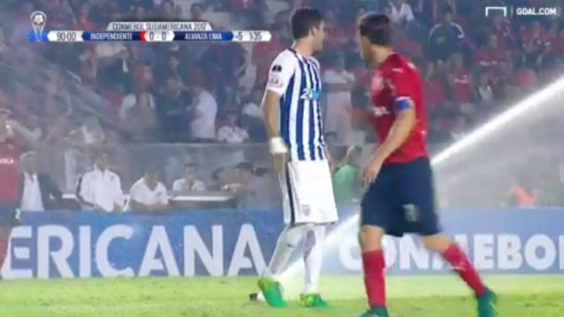 VIDEO: Rogue sprinklers halt play in Argentina