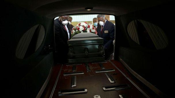 PHOTO: A casket is placed into a hearse, April 18, 2020, in Dawson, Ga., during the coronavirus pandemic. (Brynn Anderson/AP)