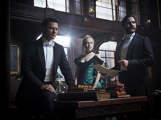 Luke Evans, Dakota Fanning, and Daniel Brühl in Th