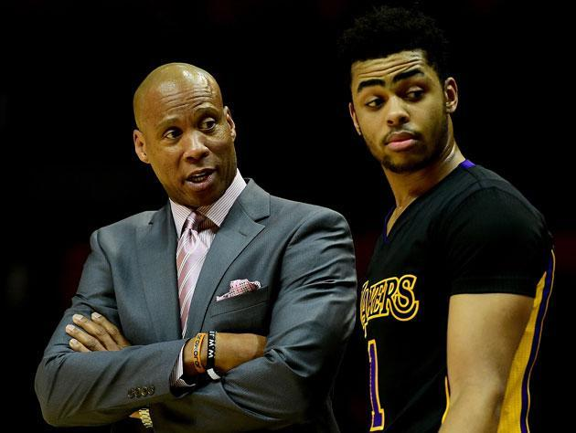"Byron Scott and former co-worker <a class=""link rapid-noclick-resp"" href=""/nba/players/5433/"" data-ylk=""slk:D'Angelo Russell"">D'Angelo Russell</a>. (Getty Images)"