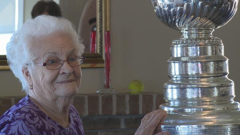 'Perfect' moment: Stanley Cup visits O'Leary seniors home