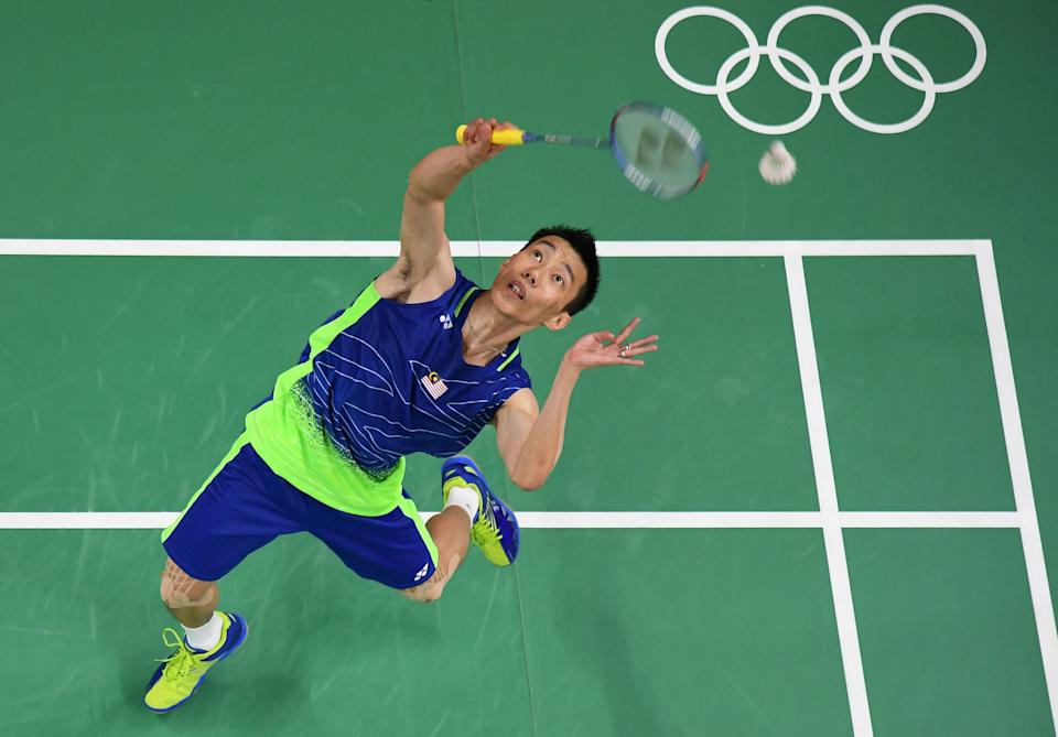 An overview shows Malaysia's Lee Chong Wei return against China's Chen Long in their men's singles Gold Medal badminton match at the Riocentro stadium in Rio de Janeiro on August 20, 2016, for the Rio 2016 Olympic Games. China's Chen Long won the match. / AFP / Antonin THUILLIER        (Photo credit should read ANTONIN THUILLIER/AFP via Getty Images)