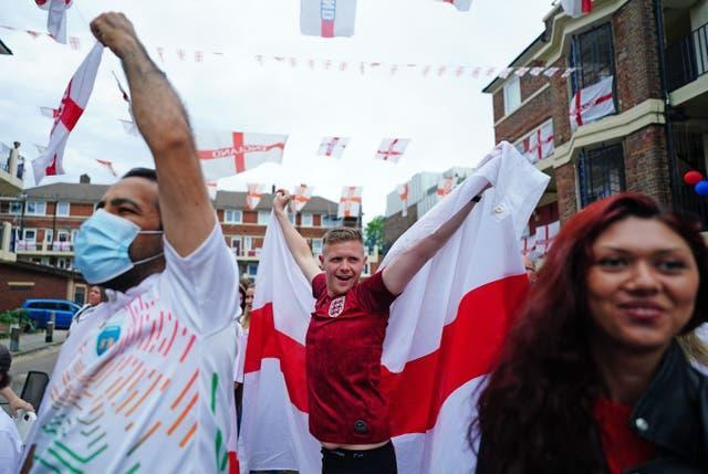 Fans watching Italy v England