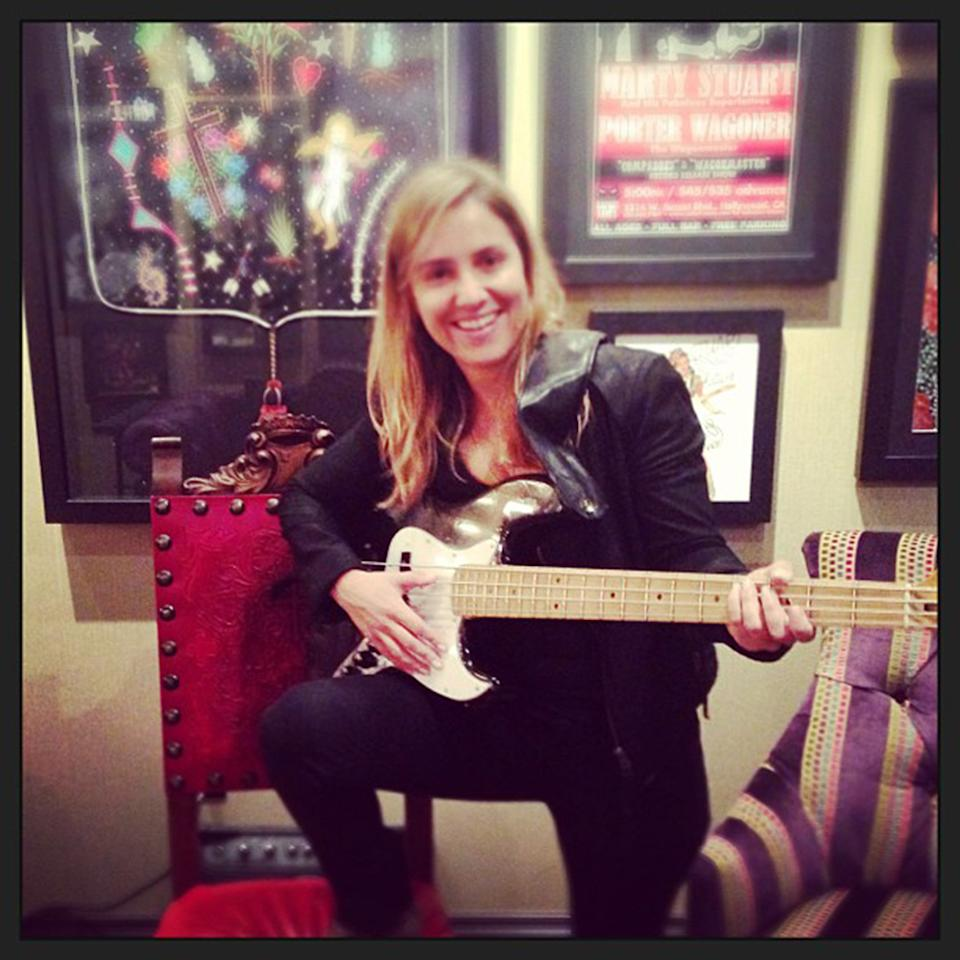 """Goofing around the backstage w/@kikicaldas. #instagramtakeover#omgleannrimes #opry"""