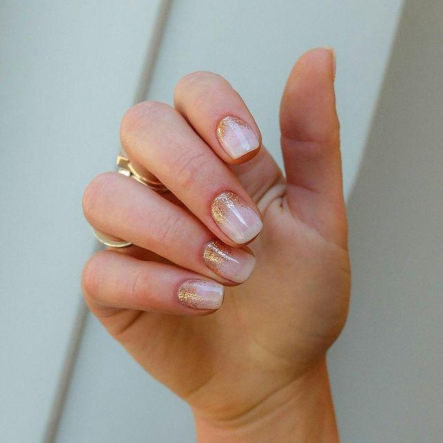 """<p>We're obsessed with <a href=""""https://www.cosmopolitan.com/uk/beauty-hair/nails/g28151824/rose-gold-nails/"""" rel=""""nofollow noopener"""" target=""""_blank"""" data-ylk=""""slk:rose gold nails"""" class=""""link rapid-noclick-resp"""">rose gold nails</a>, and this dreamy ombre design is 100% going on our must-try list. </p><p><a href=""""https://www.instagram.com/p/B3Hy2Idjg4e/"""" rel=""""nofollow noopener"""" target=""""_blank"""" data-ylk=""""slk:See the original post on Instagram"""" class=""""link rapid-noclick-resp"""">See the original post on Instagram</a></p>"""
