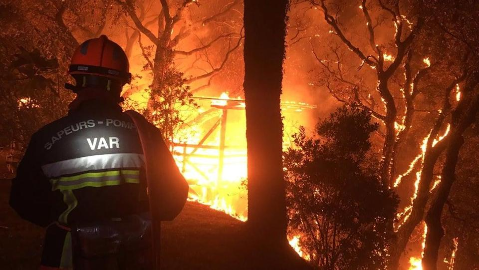 High temperatures have made conditions difficult for firefighters to contain the blaze  (EPA)