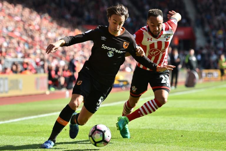 Hull City's Lazar Marković (L) vies with Southampton's Nathan Redmond during their match at St Mary's Stadium in Southampton, southern England on April 29, 2017