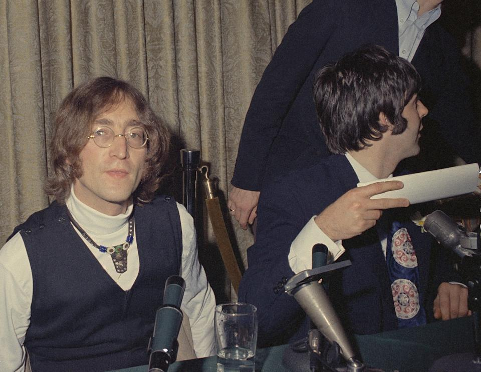 John Lennon e Paul McCartney a New York, 13 maggio 1968. (AP Photo/John Lindsay)