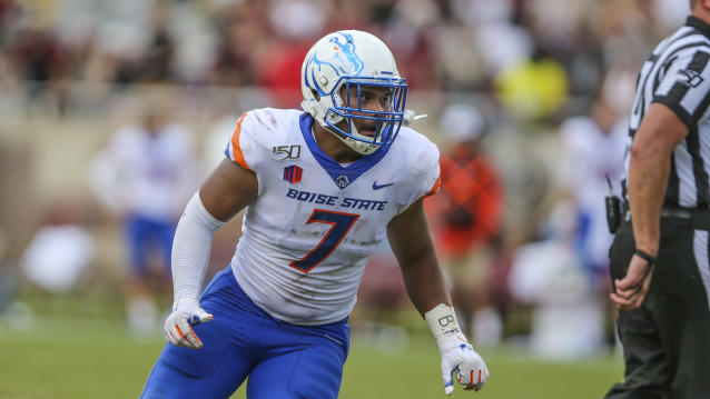 "Boise State linebacker <a class=""link rapid-noclick-resp"" href=""/ncaaf/players/282249/"" data-ylk=""slk:Ezekiel Noa"">Ezekiel Noa</a> has 28 tackles through the first four games of 2018. (AP Photo/Gary McCullough)"