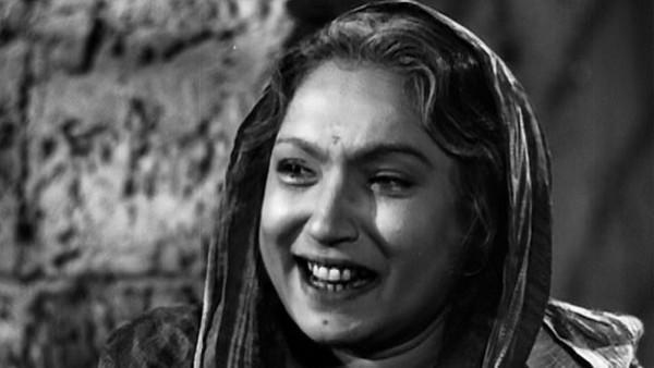 <p>Move over pious, weepy and morally right mothers, here comes the conniving mothers-in-law and step moms of the yesteryears. Legendary actress Lalita Pawar took evilness to another level as the wicked mother-in-law who harassed her daughter-in-law for dowry in the 1950 film, Dahej. </p>