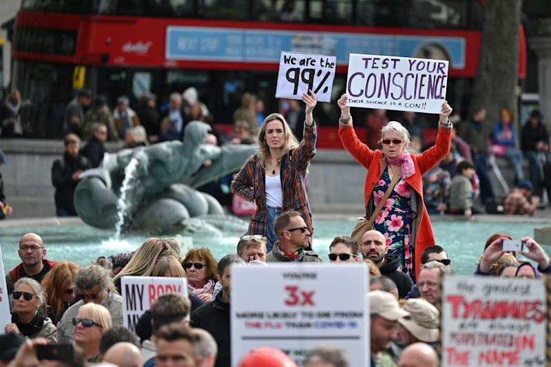 Protesters gather in Trafalgar Square in London. (Photo: JUSTIN TALLIS via Getty Images)