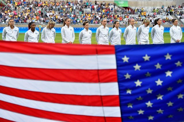 <p>United States gather before the Women's Group F first round match between United States and France during Day 1 of the Rio 2016 Olympic Games at Mineirao Stadium on August 6, 2016 in Belo Horizonte, Brazil. (Photo by Pedro Vilela/Getty Images) </p>