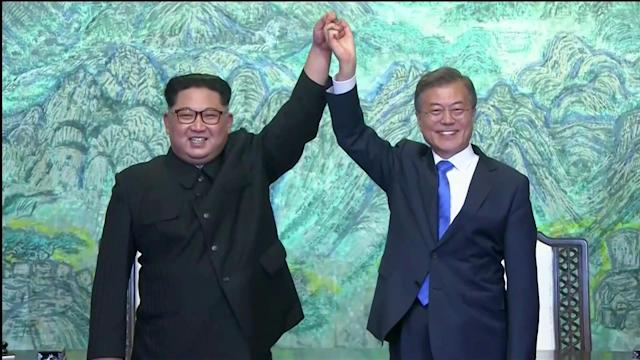 North Korean leader Kim Jong Un and South Korean President Moon Jae-in [Reuters]