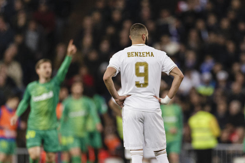 MADRID, SPAIN - FEBRUARY 06: Karim Benzema of Real Madrid was crushed while seen his team been defeated during the Quarter Final of Copa del Rey match between Real Madrid and Real Sociedad at Estadio Santiago Bernabeu on February 6, 2020 in Madrid, Spain. (Photo by Ricardo Nogueira/Eurasia Sport Images/Getty Images)