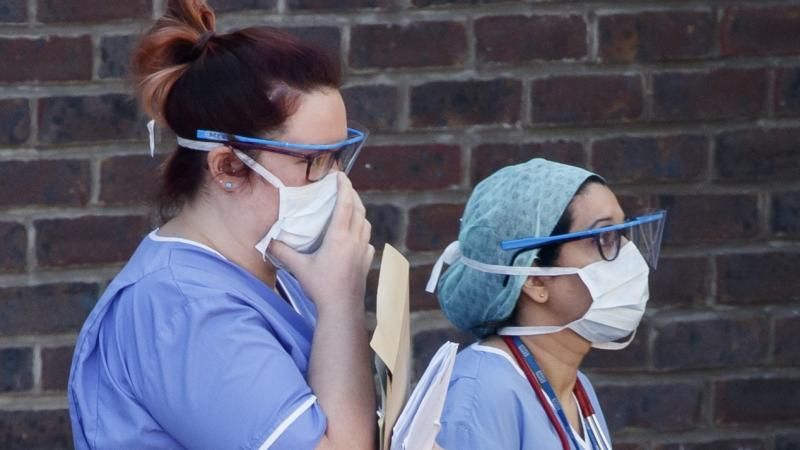 Starmer calls for inquiry into botched NHS face masks contract