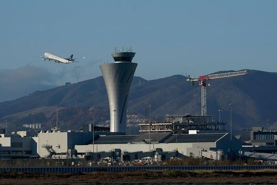SFO-Vaccine Mandate (Copyright 2020 The Associated Press. All rights reserved)