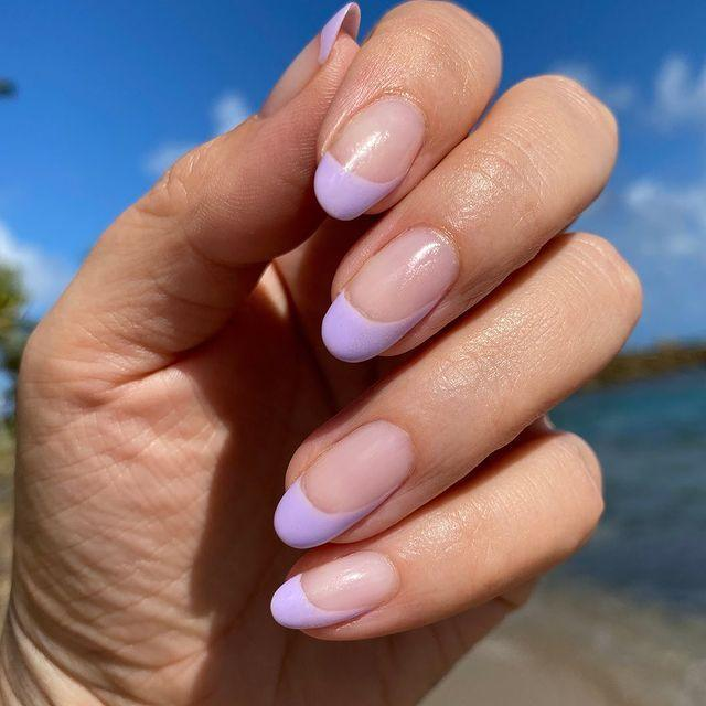 """<p>Looking for an edgy update to the classic French tip? Look no further. </p><p><a href=""""https://www.instagram.com/p/B8-T6tfpzdE/"""" rel=""""nofollow noopener"""" target=""""_blank"""" data-ylk=""""slk:See the original post on Instagram"""" class=""""link rapid-noclick-resp"""">See the original post on Instagram</a></p>"""