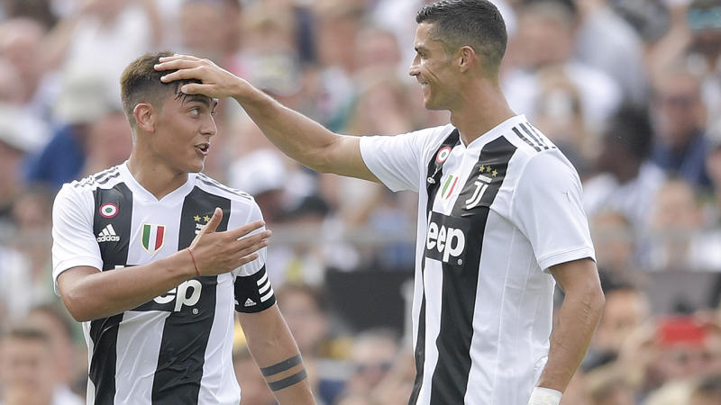 Cristiano Ronaldo sings like a choir boy in Juventus initiation