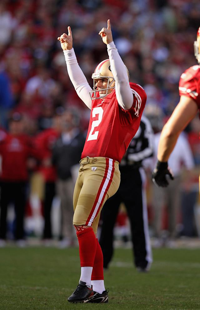 SAN FRANCISCO, CA - NOVEMBER 13: David Akers #2 of the San Francisco 49ers celebrates after making a field goal against the New York Giants at Candlestick Park on November 13, 2011 in San Francisco, California. (Photo by Ezra Shaw/Getty Images)