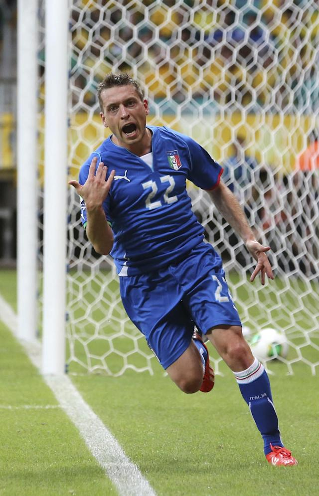 Italy's Emanuele Giaccherini celebrates scoring his side's first goal during the soccer Confederations Cup group A match between Italy and Brazil at Fonte Nova stadium in Salvador, Brazil, Saturday, June 22, 2013. (AP Photo/Antonio Calanni)