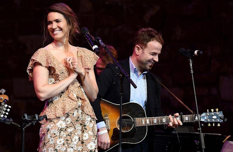 a29d980e0 Mandy Moore and Taylor Goldsmith Perform Their 'This is Us' Song (Watch)