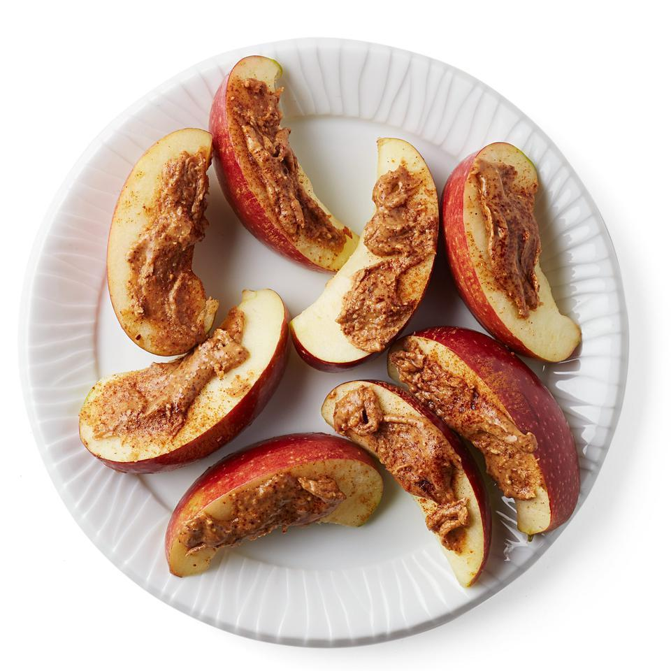 <p>With a pinch of cinnamon, this healthy snack goes from basic to brilliant.</p>