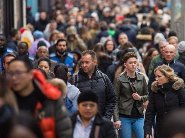 Crowds in search of last-minute gifts