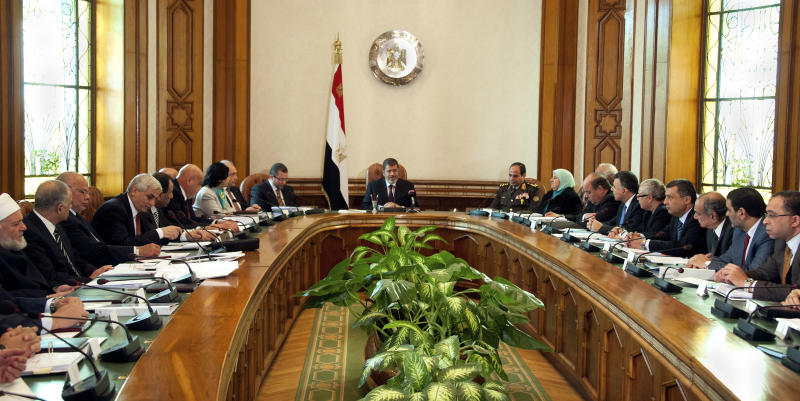 Egypt shakes up Cabinet, appoints 10 new ministers