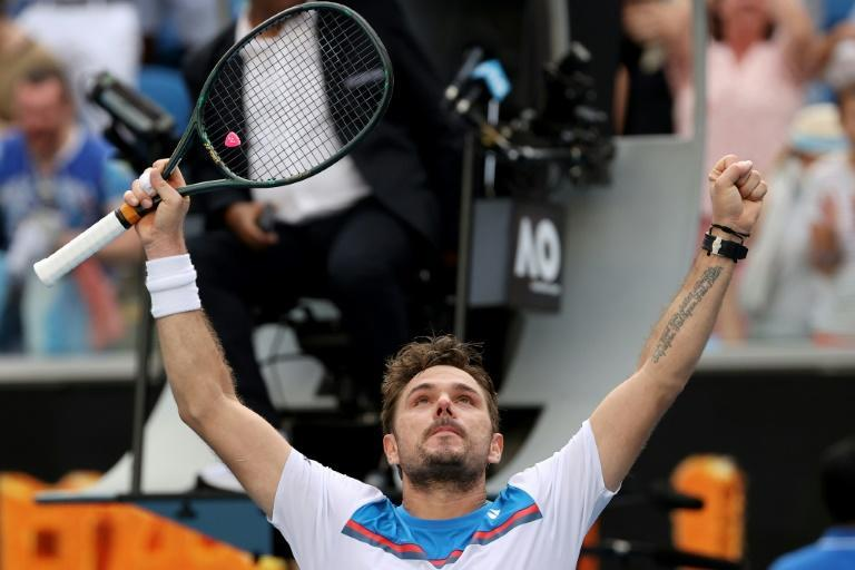 Vintage Wawrinka upsets Medvedev to make Open quarters