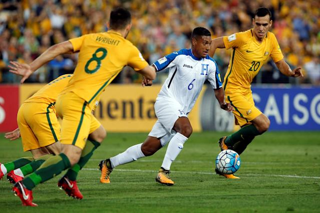 Soccer Football - 2018 World Cup Qualifications - Australia vs Honduras - ANZ Stadium, Sydney, Australia - November 15, 2017 Honduras' Bryan Acosta in action with Australia's Trent Sainsbury REUTERS/Steve Christo