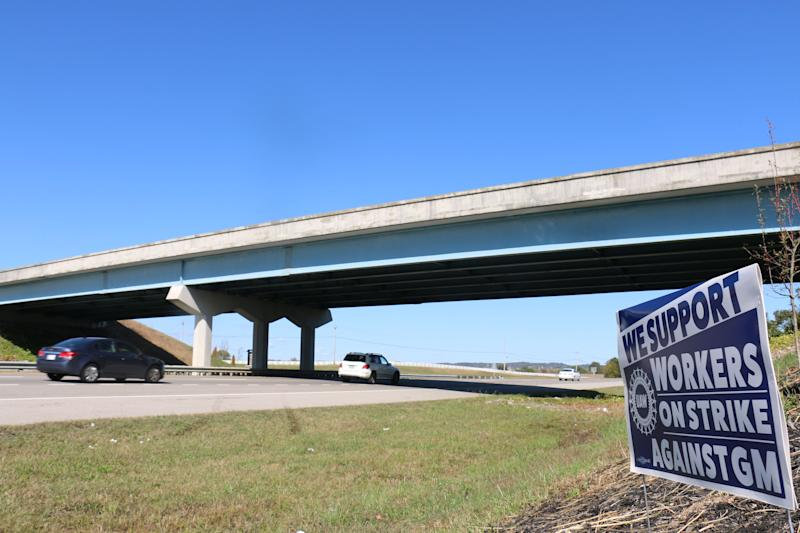 The bridge connecting drivers to the south entrance of GM was empty Oct. 22, 2019, after a picket died after a driver struck and killed him.