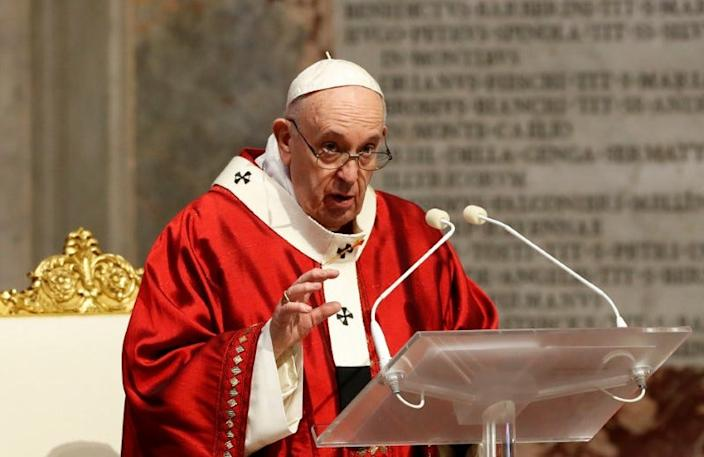 FILE PHOTO: Pope Francis leads the Pentecost Mass in the Blessed Sacrament chapel of the St. Peter's Basilica, amid the spread of the coronavirus disease (COVID-19), at the Vatican, May 31, 2020. REUTERS/Remo Casilli/Pool