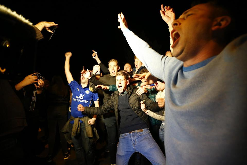 Britain Football Soccer - Leicester City players watch the Chelsea v Tottenham Hotspur game at Jamie Vardy's house in Melton Mowbray - Leicester - 2/5/16 Leicester City fans celebrate winning the Premier League Reuters / Darren Staples Livepic