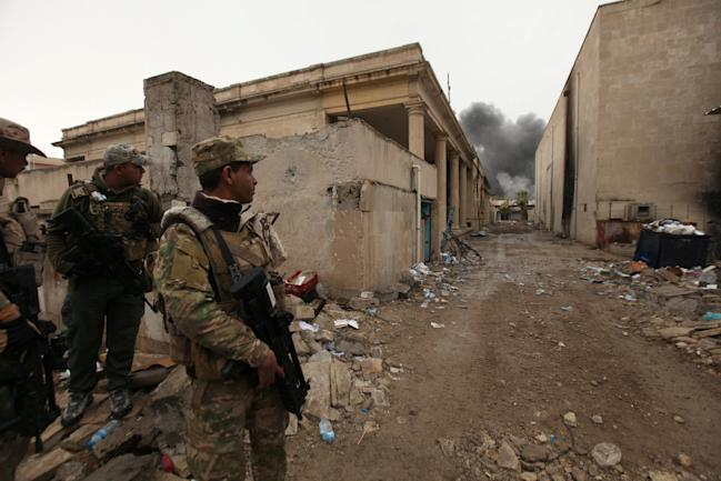 Iraq Mosul troops soldiers city streets neighborhood ISIS