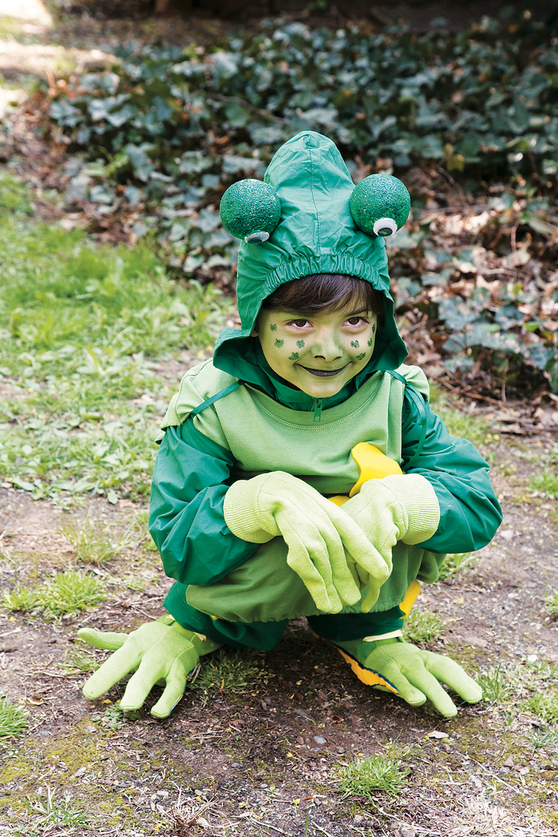 """<p>Turns out, it's easy being green: It'll take you less than an hour to craft this costume.</p><p><strong><em><a href=""""https://www.womansday.com/home/crafts-projects/how-to/a2958/froggie-19012/"""" rel=""""nofollow noopener"""" target=""""_blank"""" data-ylk=""""slk:Get the Frog tutorial"""" class=""""link rapid-noclick-resp"""">Get the Frog tutorial</a>.</em></strong></p>"""
