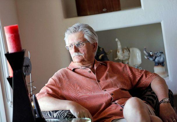 PHOTO: Fred Goldman, father of murder victim Ronald Goldman, in his home in Peoria, Ariz., May 20, 2014. (Matt York/AP, FILE)